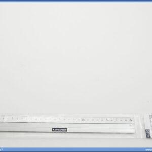 Metalni lenjir 30cm, Staedtler