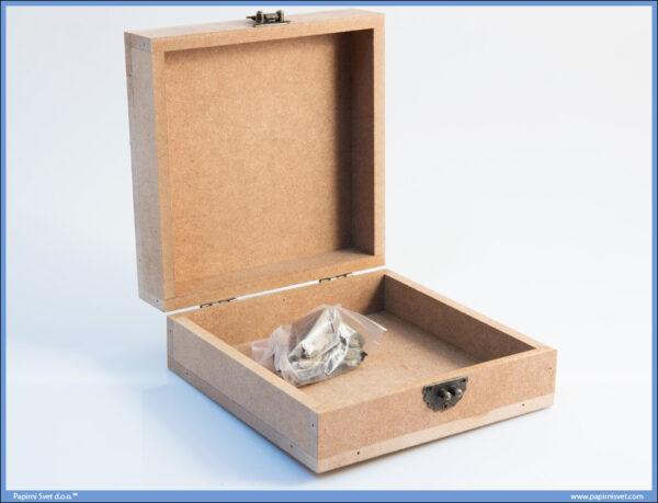 Dekupaž kutija 14x14cm sa metalnim dodacima