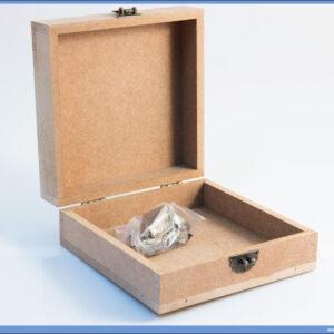 Dekupaž kutija 16x16cm sa metalnim dodacima