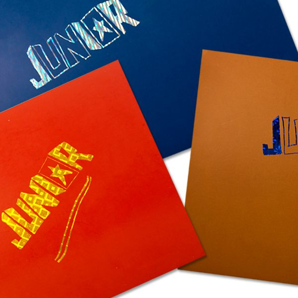 Specifikacije: Sadržaj: 10 lista + nožić Boja: Miks 5 boja Materijal: Papir 270gr/m²